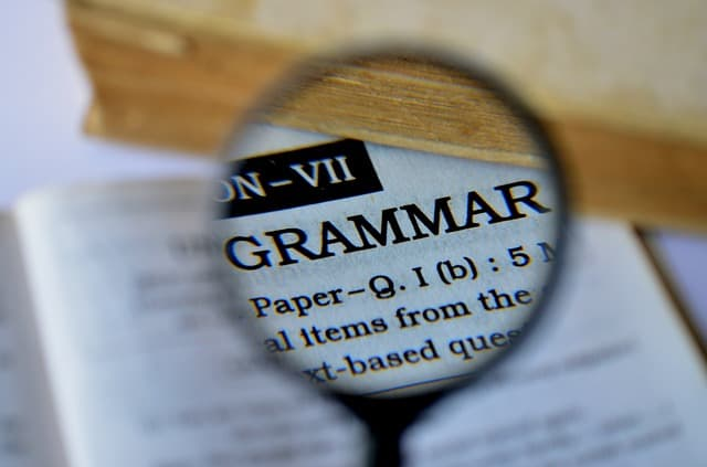 grammar 389907 640 - 5 Common Mistakes In Learning English Speaking