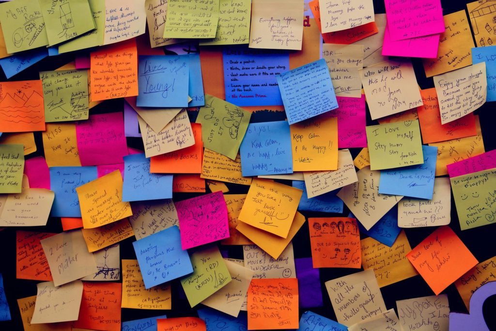 post it notes 1284667 1920 1024x683 1 - How to Stop Translating in Your Head and Start Thinking in English
