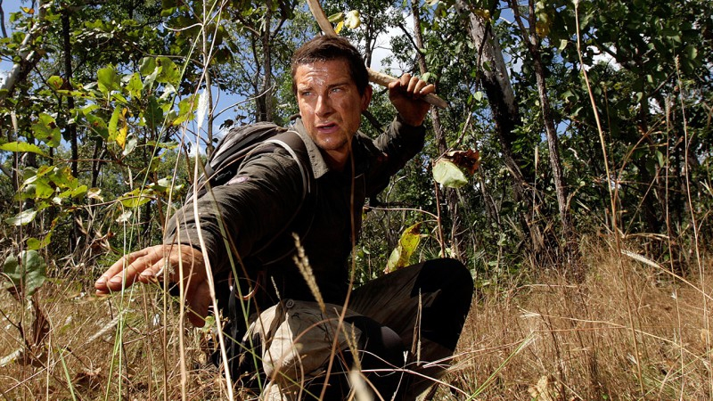 tv show anh quoc hoc tieng anh bear grylls - 10 Best British TV Shows To Improve Your English